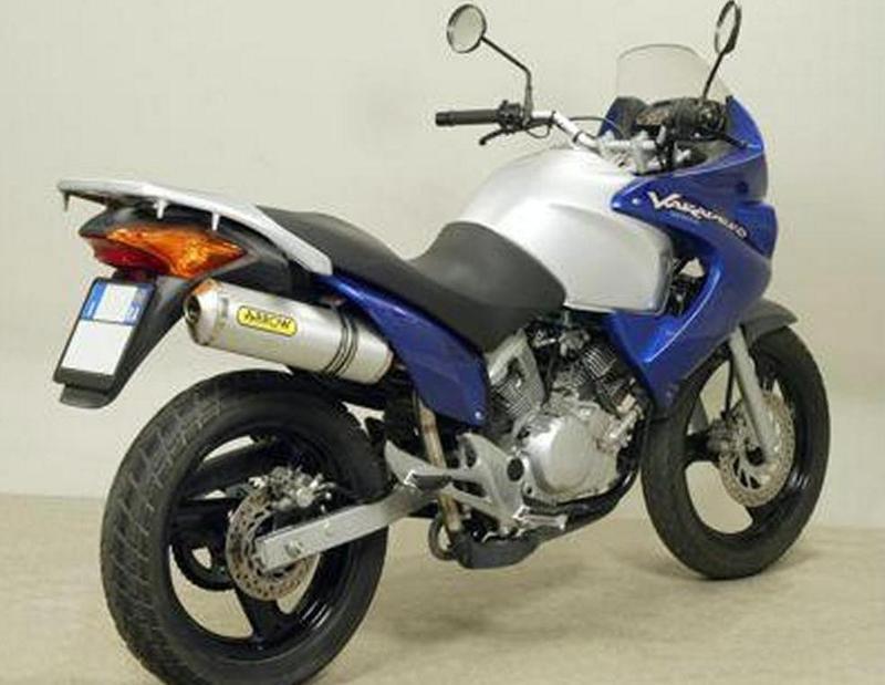 G Pim on Moto Honda 300